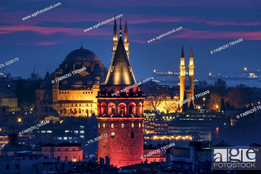 Imagen: View of the Galata tower and the Süleymaniye mosque, Istanbul.