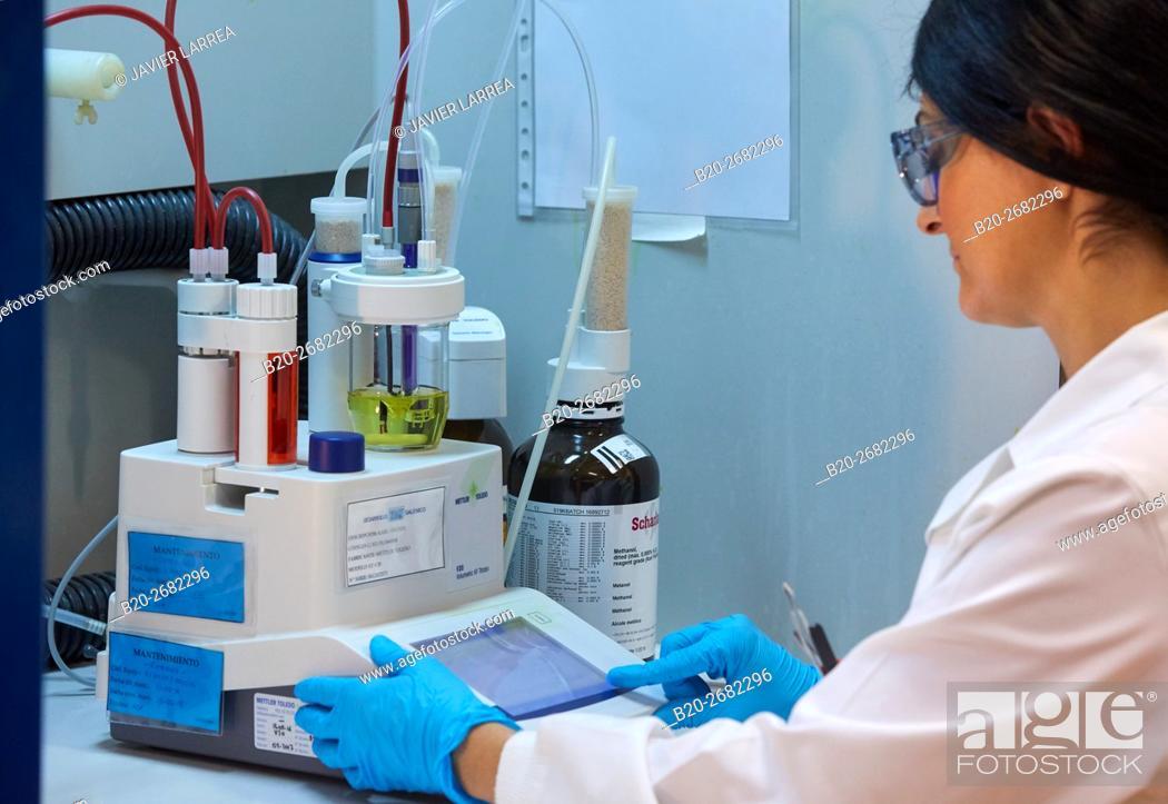 Stock Photo: Volumetric Karl Fischer titrator. Pharmaceutical Development Laboratory. Pre-formulation, design and development of drugs and new pharmaceuticals.