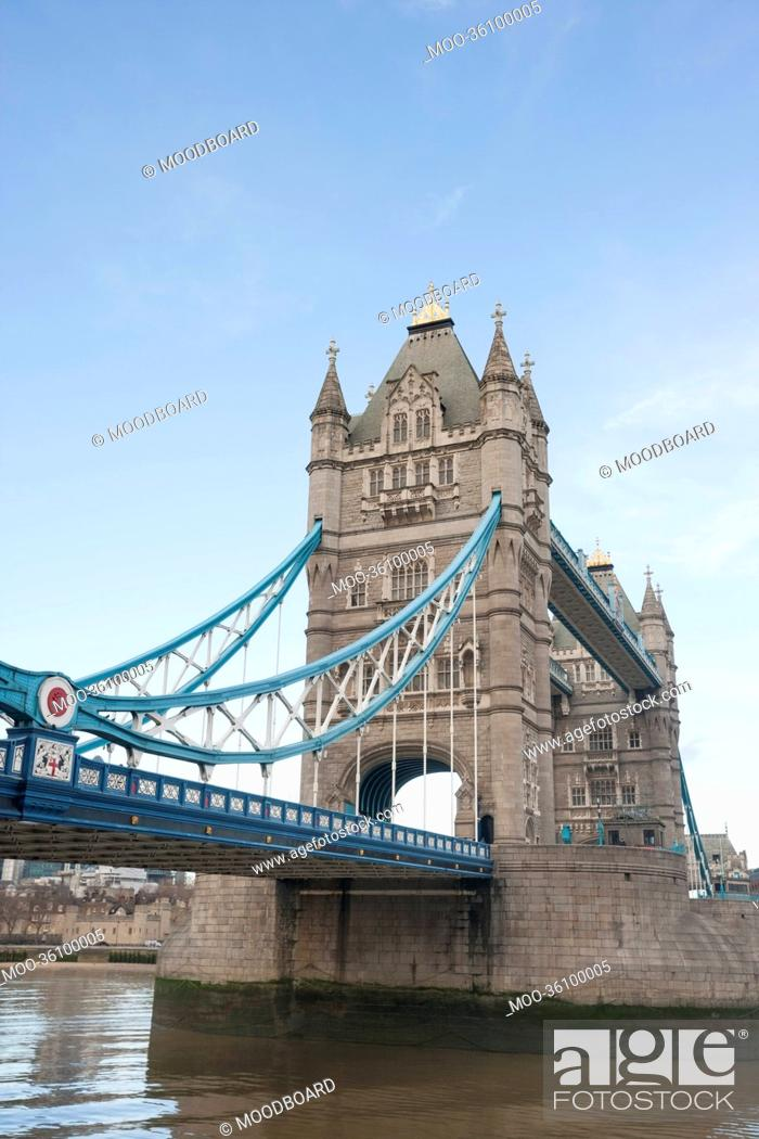 Stock Photo: Tower Bridge and the River Thames, London, UK.
