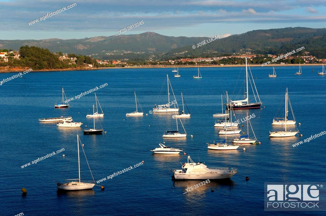 Imagen: Panoramic view of the bay, Bayona, Pontevedra province, Region of Galicia, Spain, Europe.