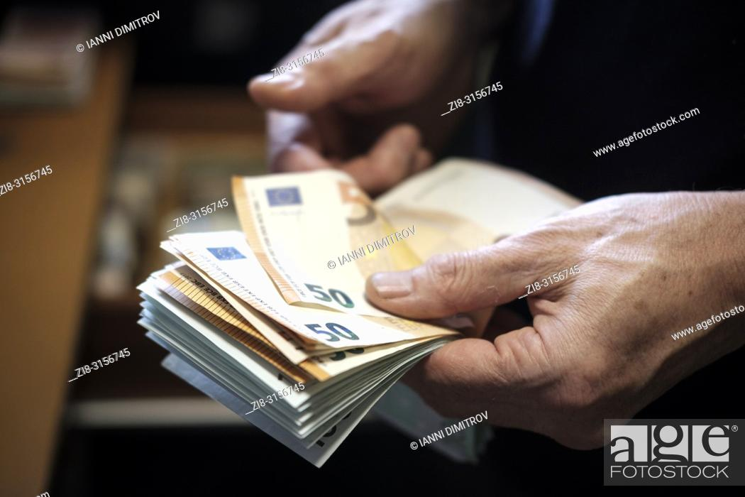 Stock Photo: Cash-euros.