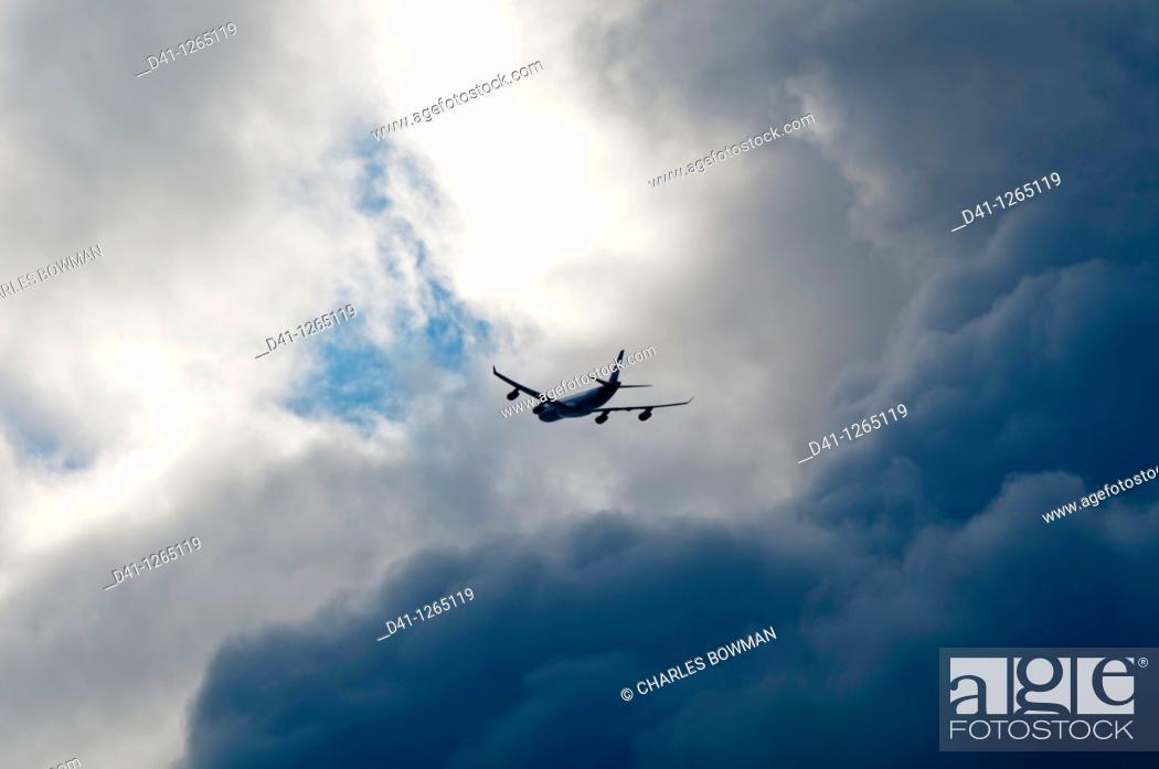 Stock Photo: Airplane stormy.