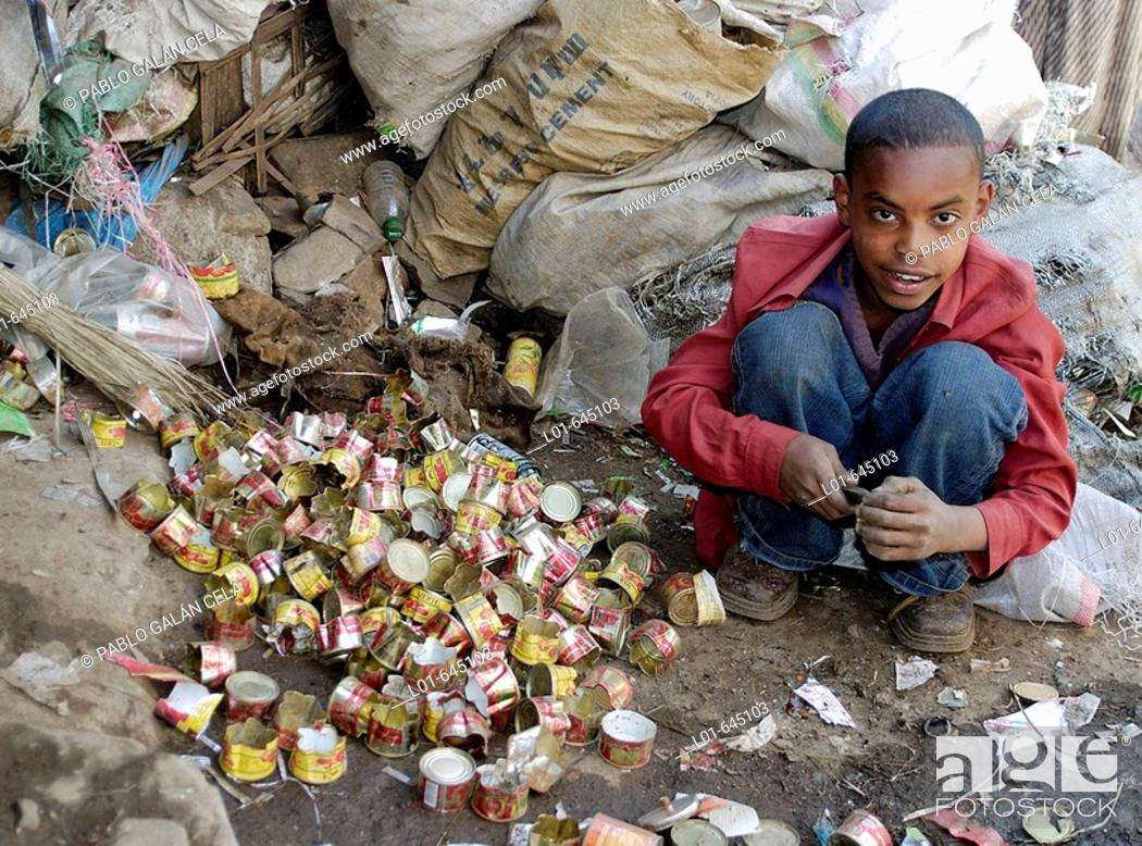 Stock Photo: Kid working, Ethyopie.