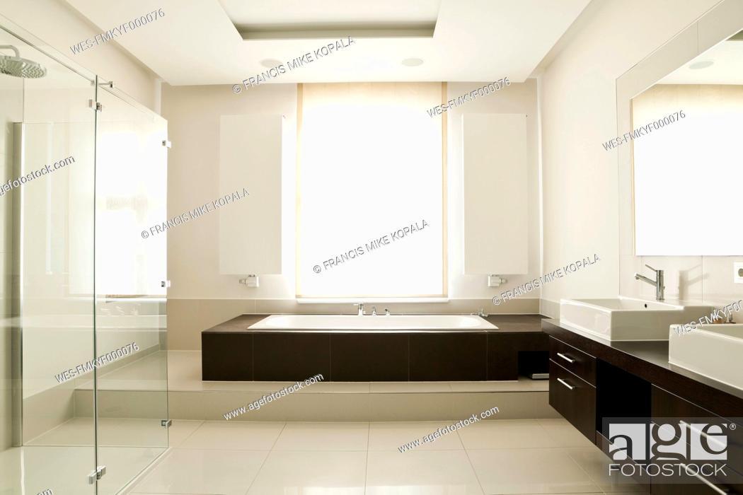 Stock Photo: Germany, Berlin, Modern bathroom.