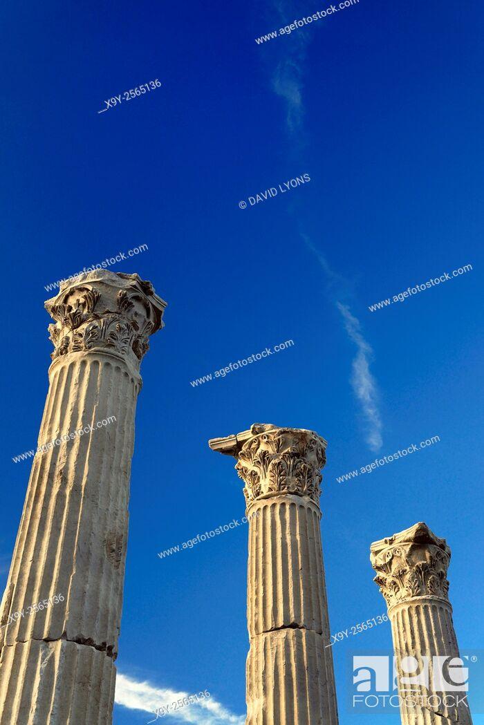 Stock Photo: Greek Roman city of Laodicea aka Laodikeia on the Lycos. Central colonnaded thoroughfare Holy Way Portico. Denizli, Turkey.