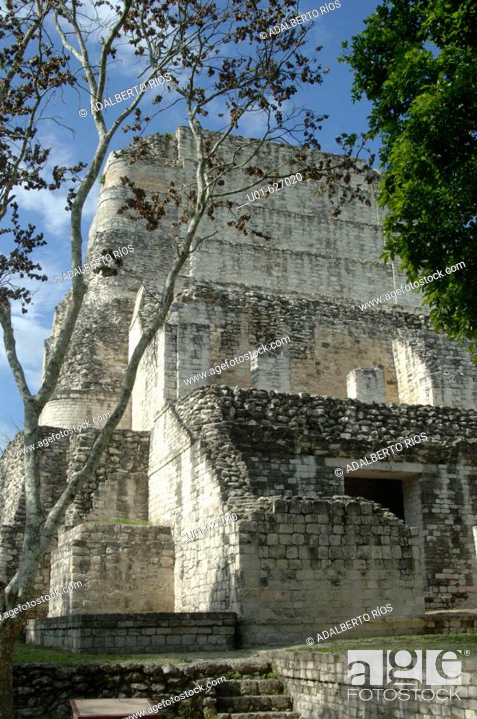 Stock Photo: Mayan ruins. Becan. Campeche. Mexico./ Zona arqueologica de la ciudad Maya de Becan. Becan es considerada como la capital de las ciudades mayas de la region Bec.