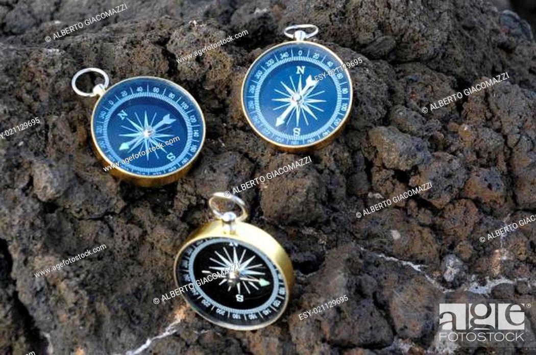 Imagen: Analogic Compass.