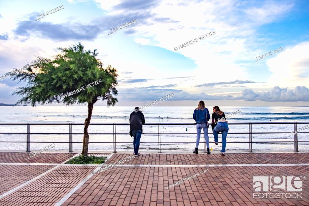 Stock Photo: People enjoying the coastline of Gran Canaria.