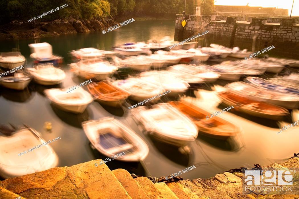 Stock Photo: Mundaka Harbour, Biscay, Spain.