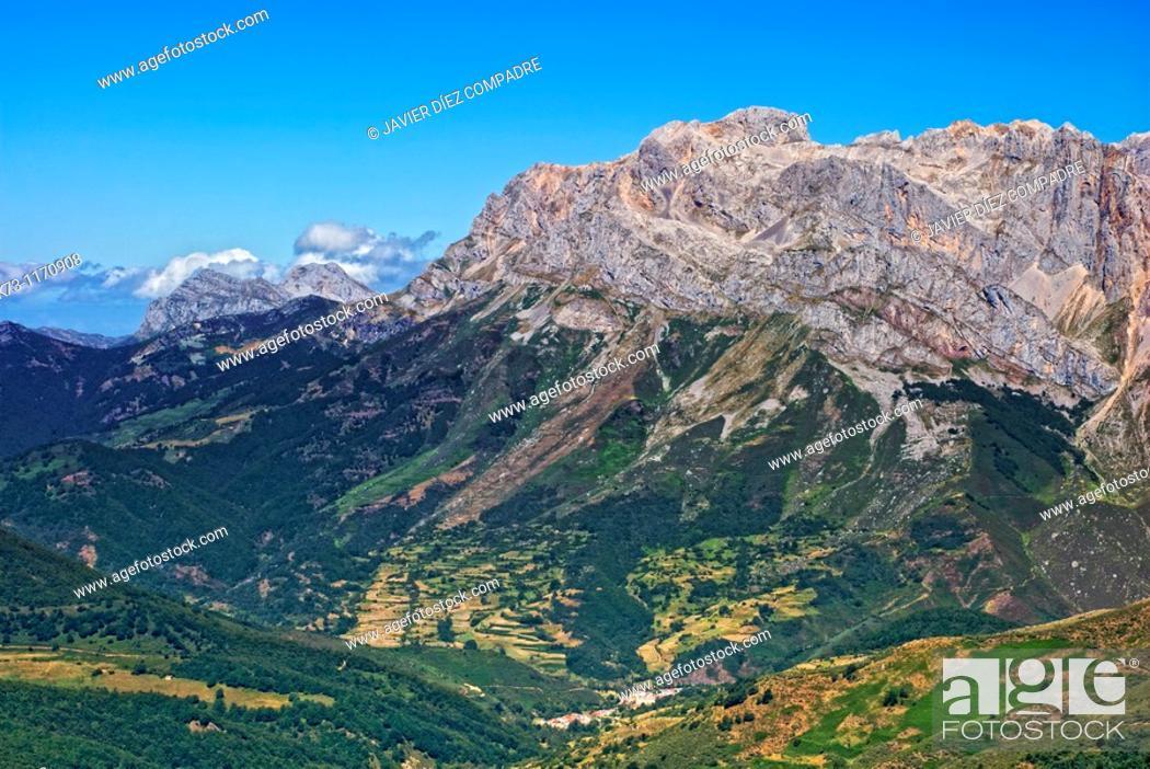 Stock Photo: Western Massif. Valdeon Valley. Picos de Europa National Park. Leon province. Castilla y Leon. Spain.