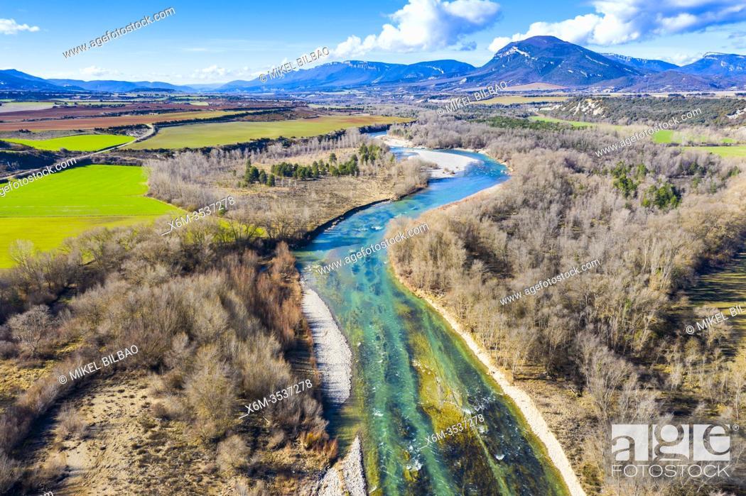 Imagen: Riverbed in a natural landscape. Aragon river close to Yesa reservoir. Aerial view. Zaragoza, Aragon, Spain, Europe.