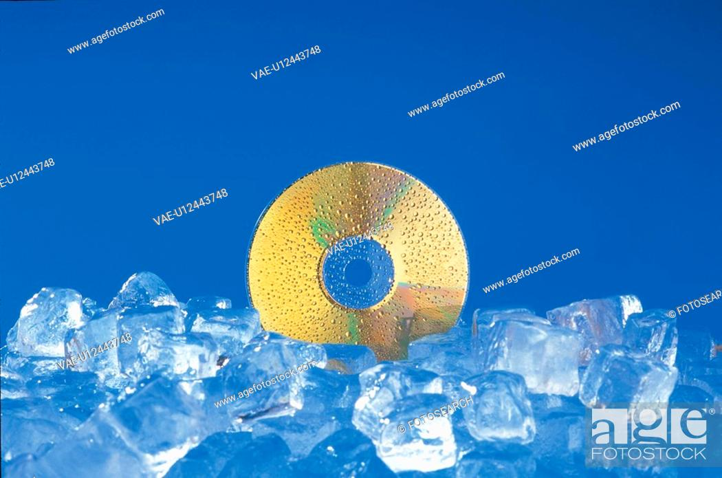 Stock Photo: nature, waterdrop, object, compactdisc, ice, water.