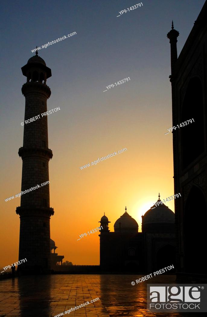 Stock Photo: India - Uttar Pradesh - Agra - a minaret of the Taj Mahal.