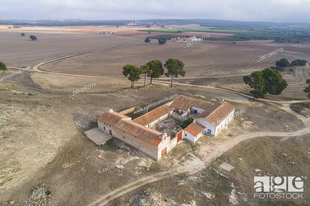 Stock Photo: Farmhouse. Los Pozuelos. Almansa. Albacete province. Spain.