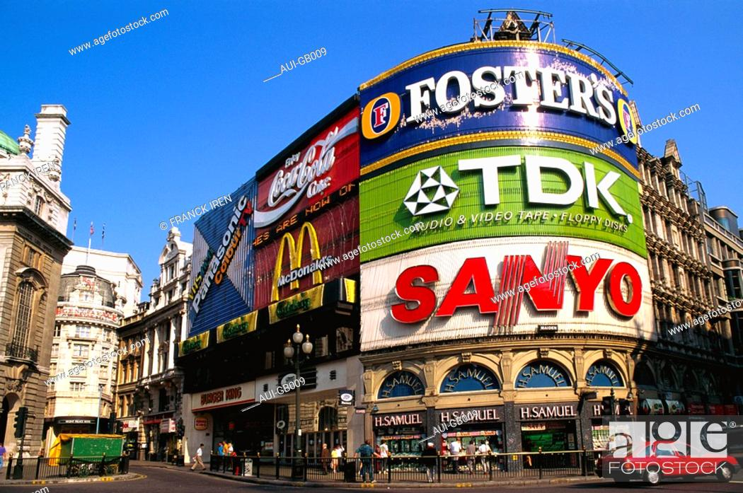 Stock Photo: Great Britain - London - Piccadilly Circus.