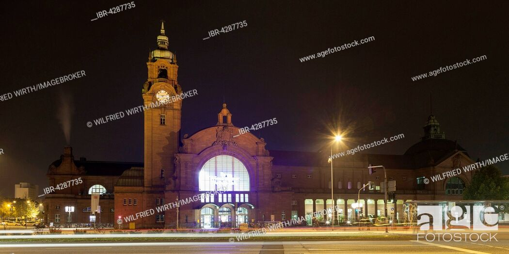Stock Photo: Central railway station, Wiesbaden, Hesse, Germany.