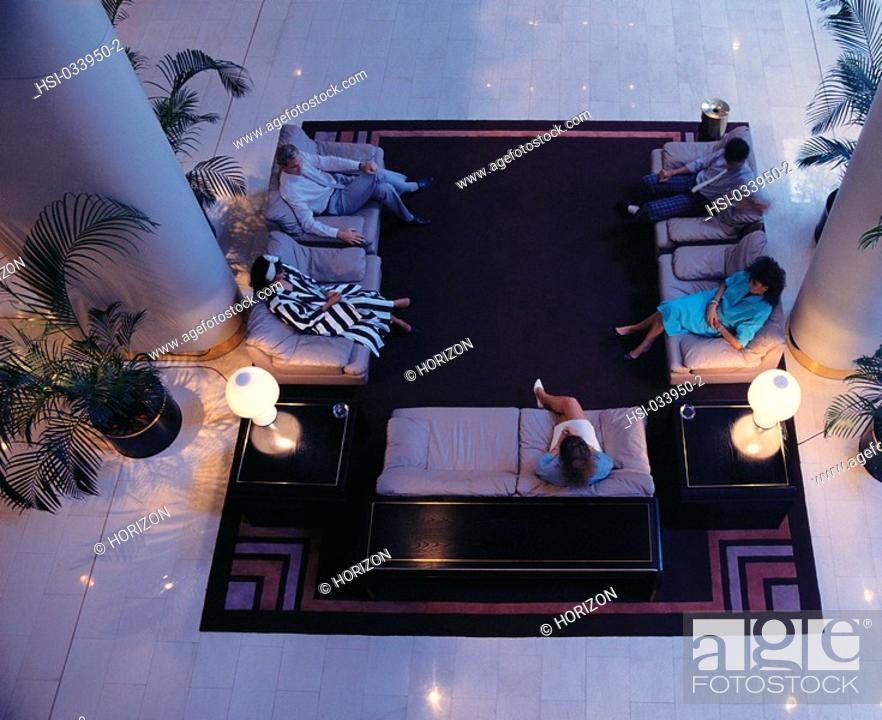 Stock Photo: Lifestyle, Young couple, Hotel, Travel, Australia, Northern Territory, Darwin, Sheraton Hotel,.