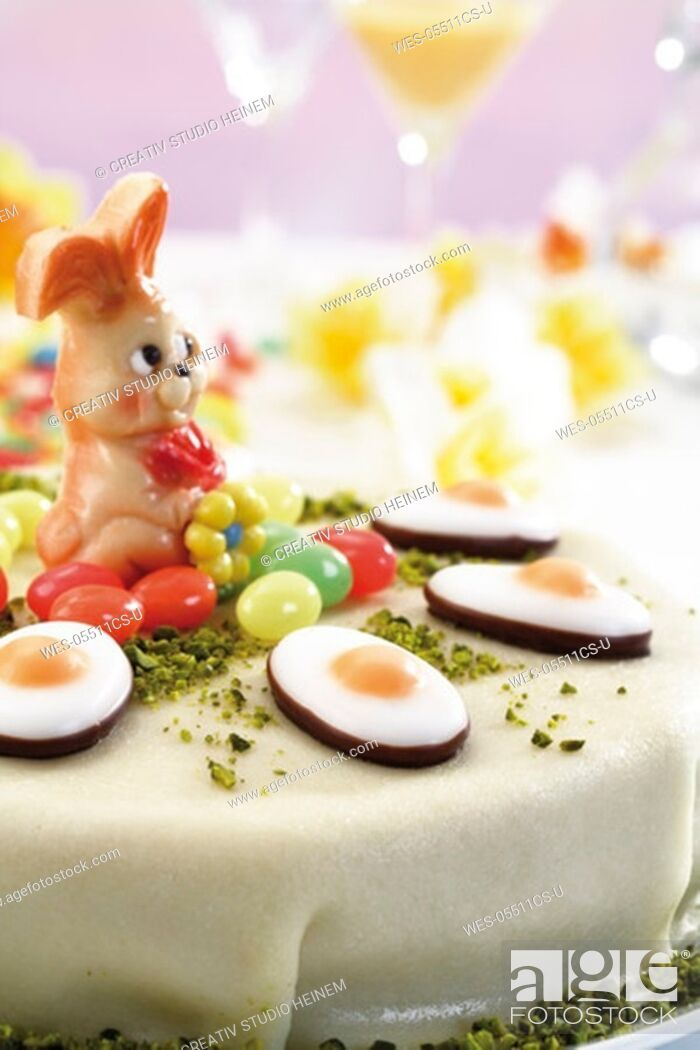 Stock Photo: Easter torte, close-up.