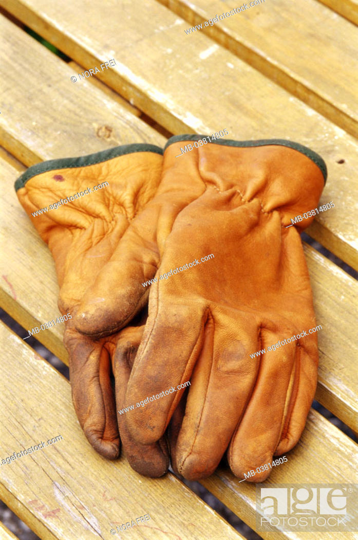 Stock Photo: Wood table, garden gloves,   Leisure time, hobby, gardening, workbench, table, work gloves, leather gloves, gloves, protection, quietly life,.