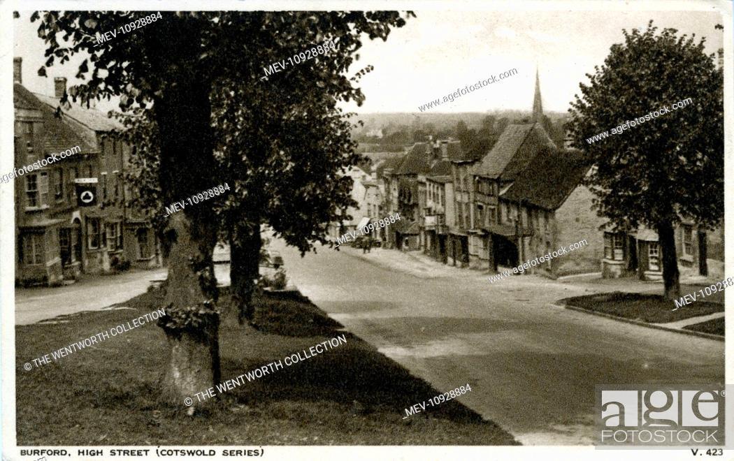 Photo de stock: High Street, Burford, Oxford, near Witney, Oxfordshire, England.