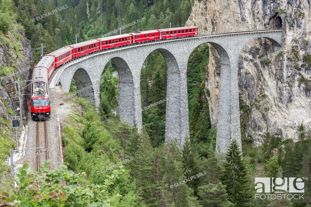 Stock Photo: Glacier Express & Landwasser Viaduct, Filisur, Graubunden, Switzerland.