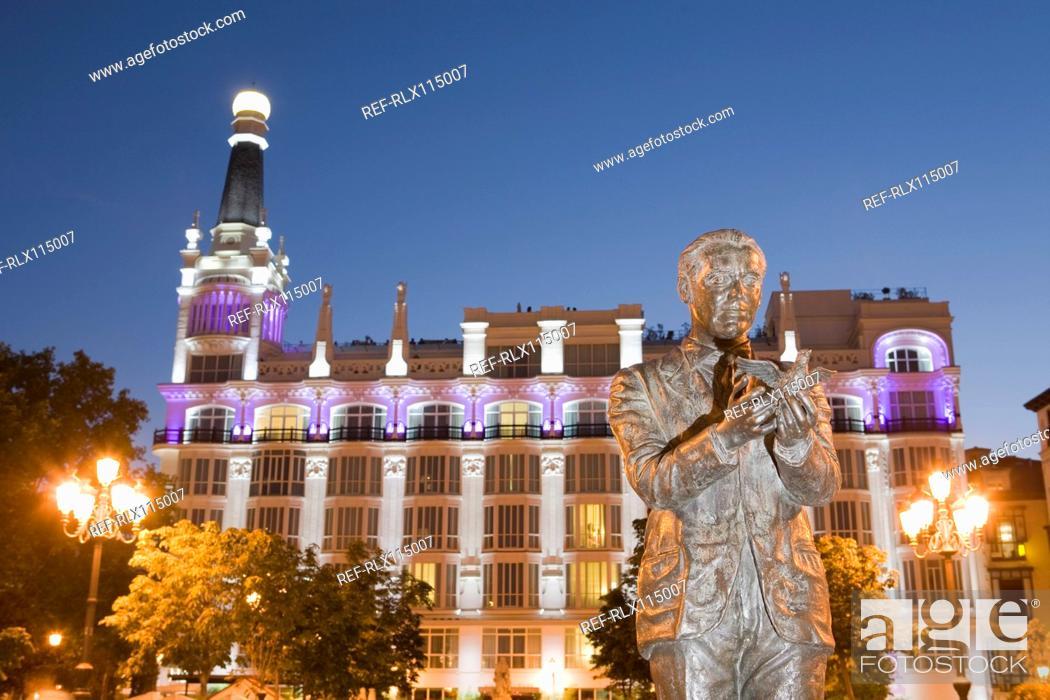 Stock Photo: Statue in Plaza Santa Ana, Madrid, Spain.