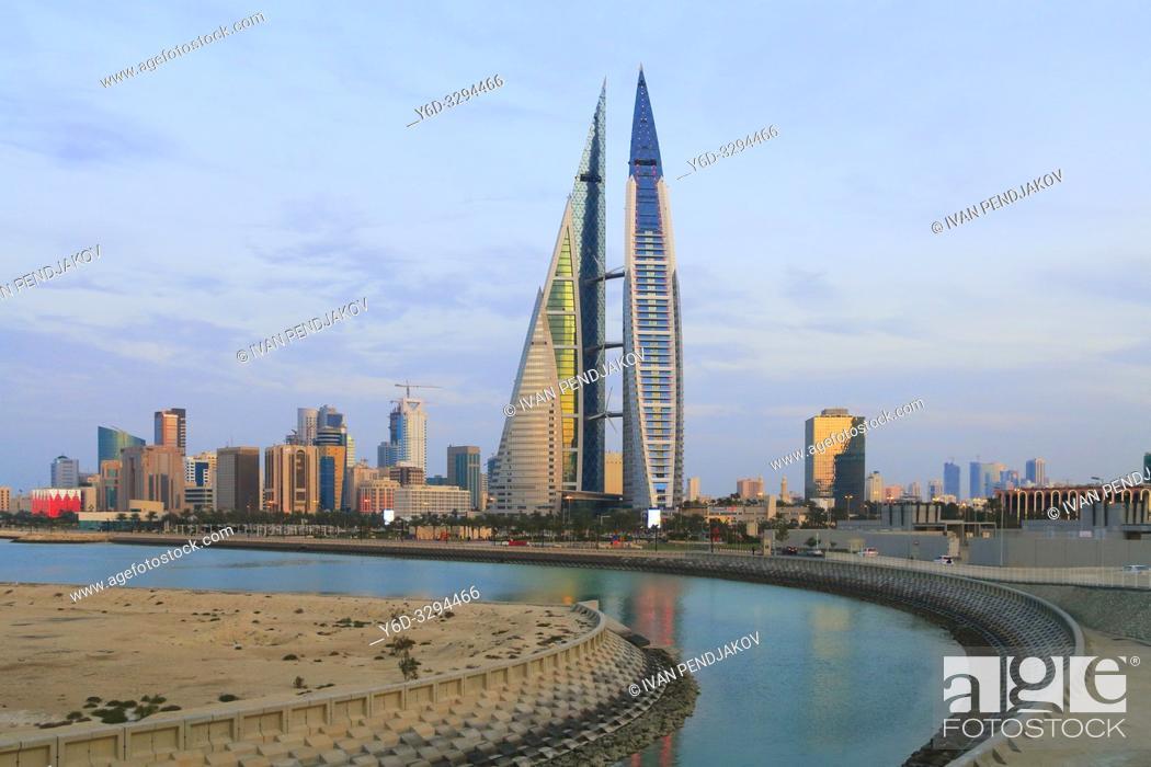 Imagen: Manama at Sunset, Bahrain.