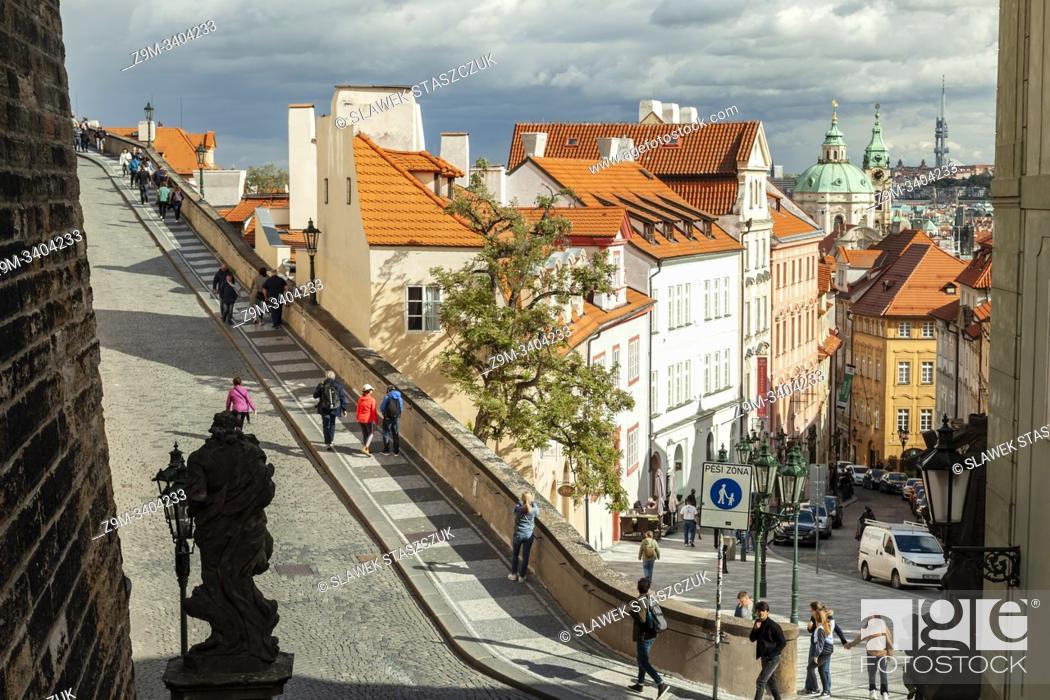 Imagen: Autumn afternoon in Mala Strana, Prague.