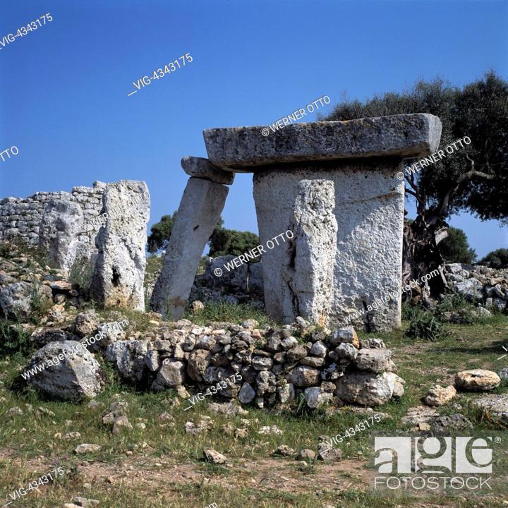 Stock Photo: Spanien, Menorca, Balearen, E-Talati de DAlt, Megalith-Denkmal, Taula, praehistorisch, Spain, Minorca, Balearic Islands, E-Talati de DAlt, megalith monument.