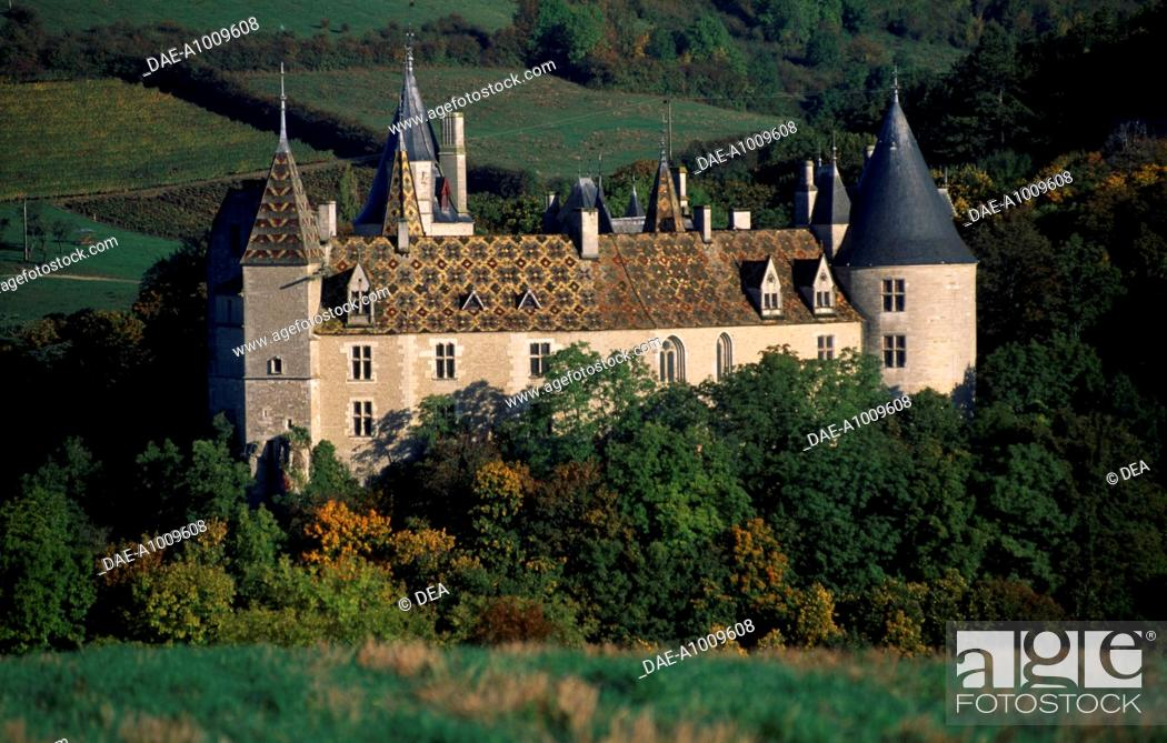 Stock Photo: Chateau de la Rochepot, Burgundy. France, 13th-19th century.