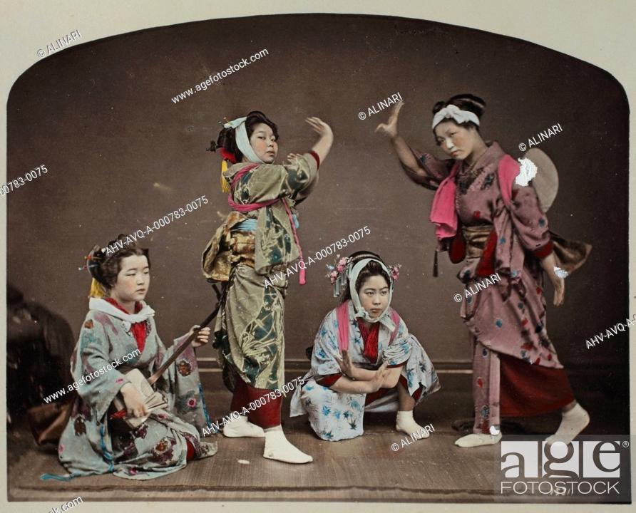 Imagen: Portrait of Geishas, shot 1885 ca. by School of Yokohama.