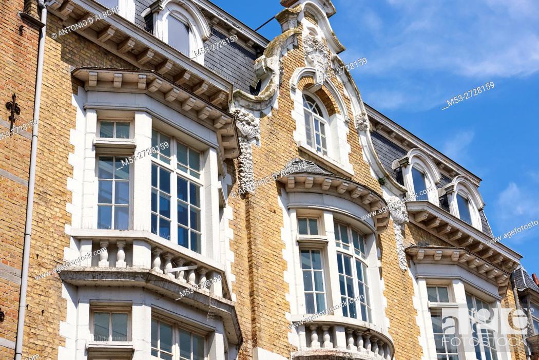 Imagen: Flemish style homes in Ypres. West Flanders. Belgium.