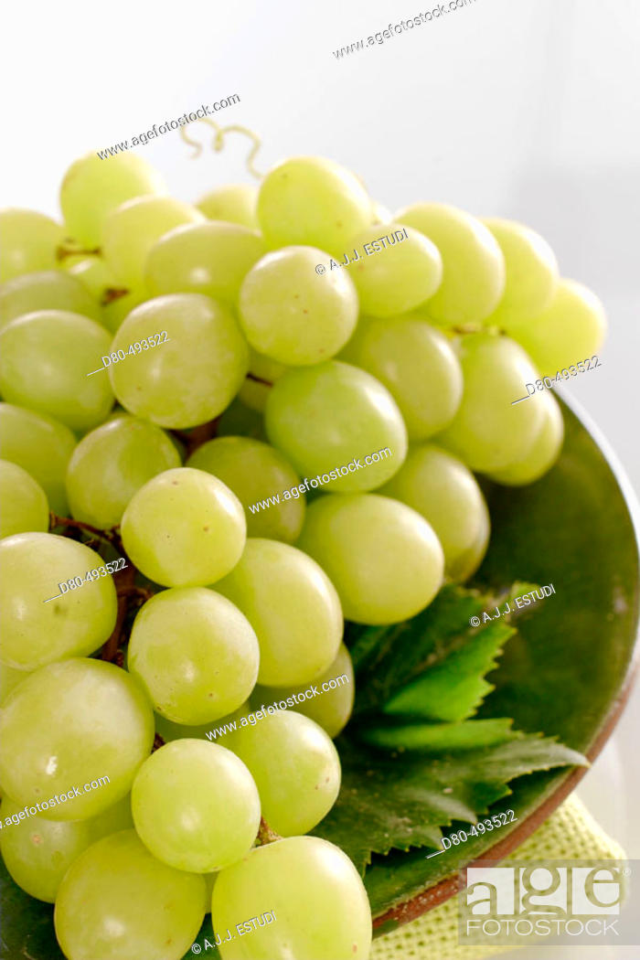 Stock Photo: White grapes.