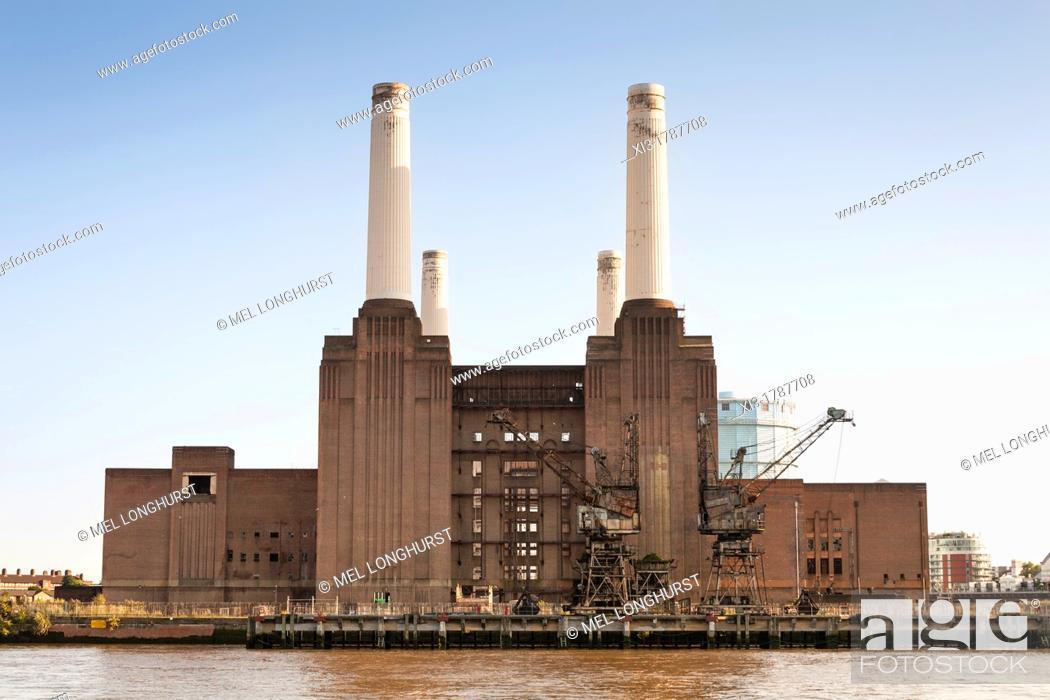 Stock Photo: Battersea Power Station beside the River Thames, Battersea, London, England.