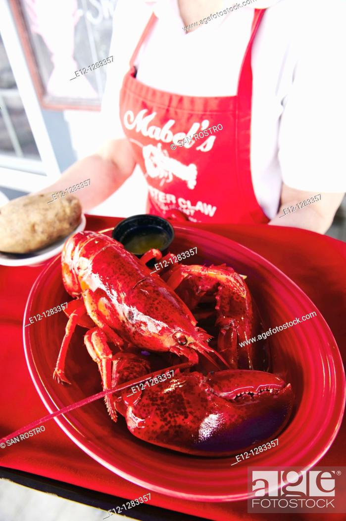Stock Photo: Mabel's Lobster Claw restaurant, Kennebunkport, Maine, USA.