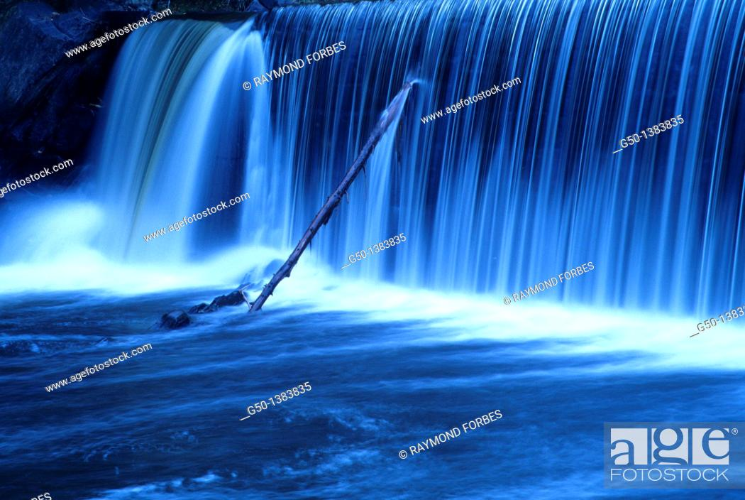 Stock Photo: waterfall in Vermont, USA.