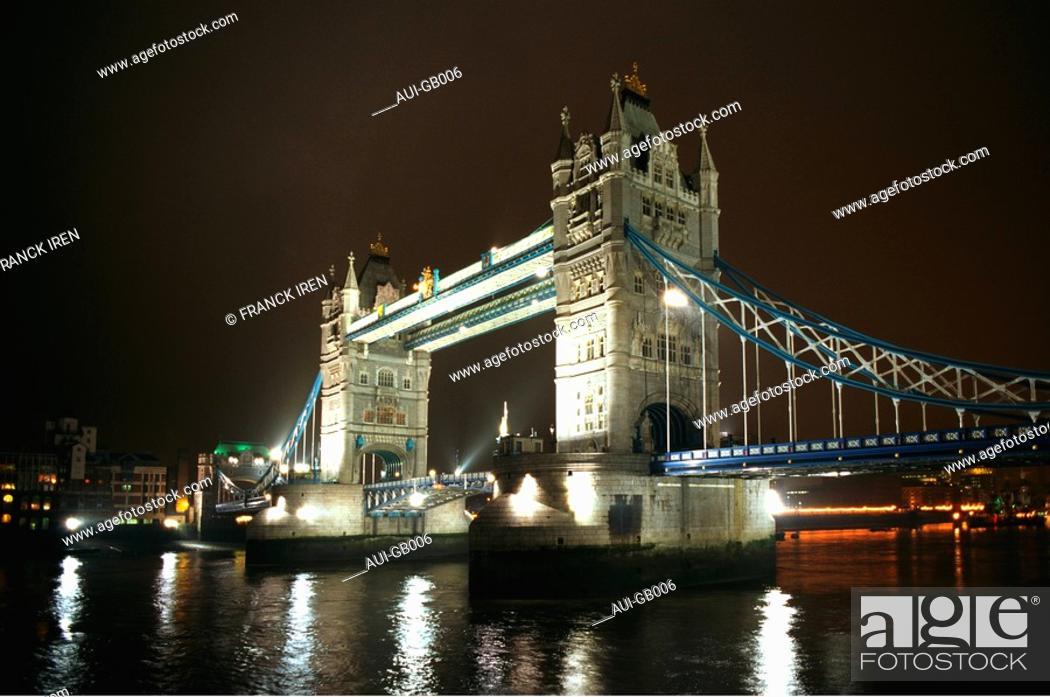 Stock Photo: Great Britain - London - Tower Bridge.