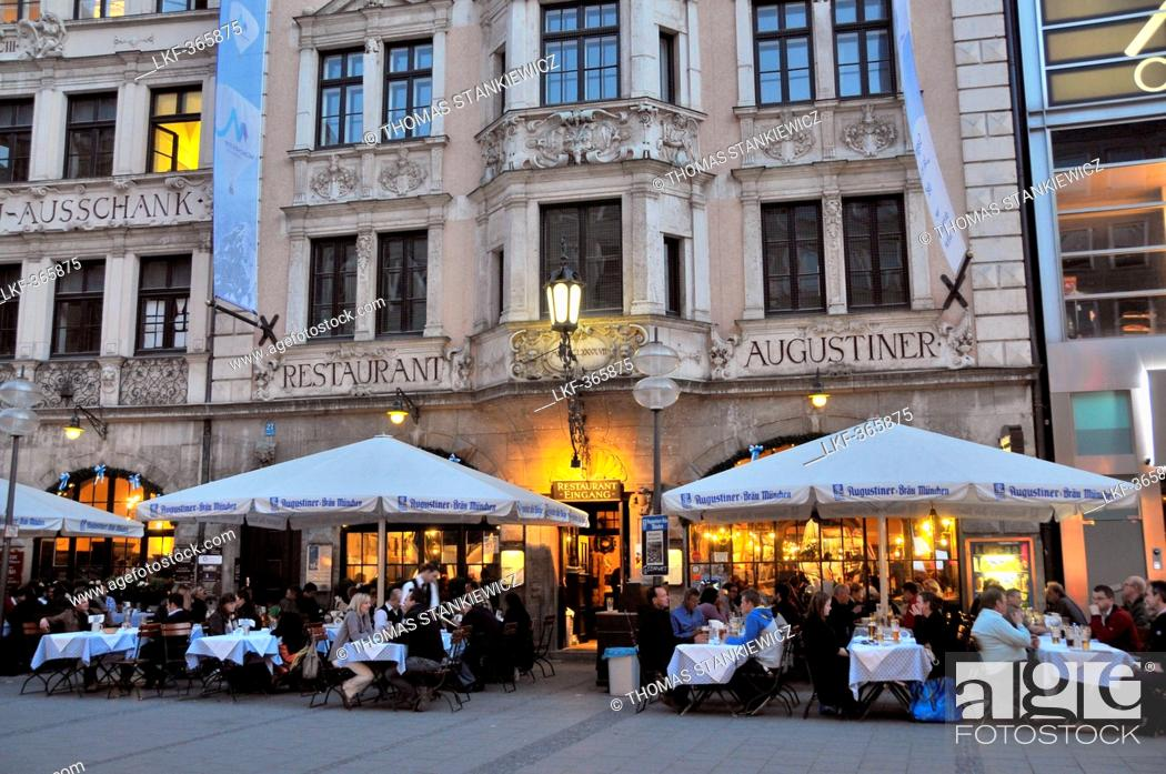 Stock Photo: People at outdoor seating of restaurant Augustiner in the pedestrian area, Neuhauserstrasse, Munich, Bavaria, Germany, Europe.