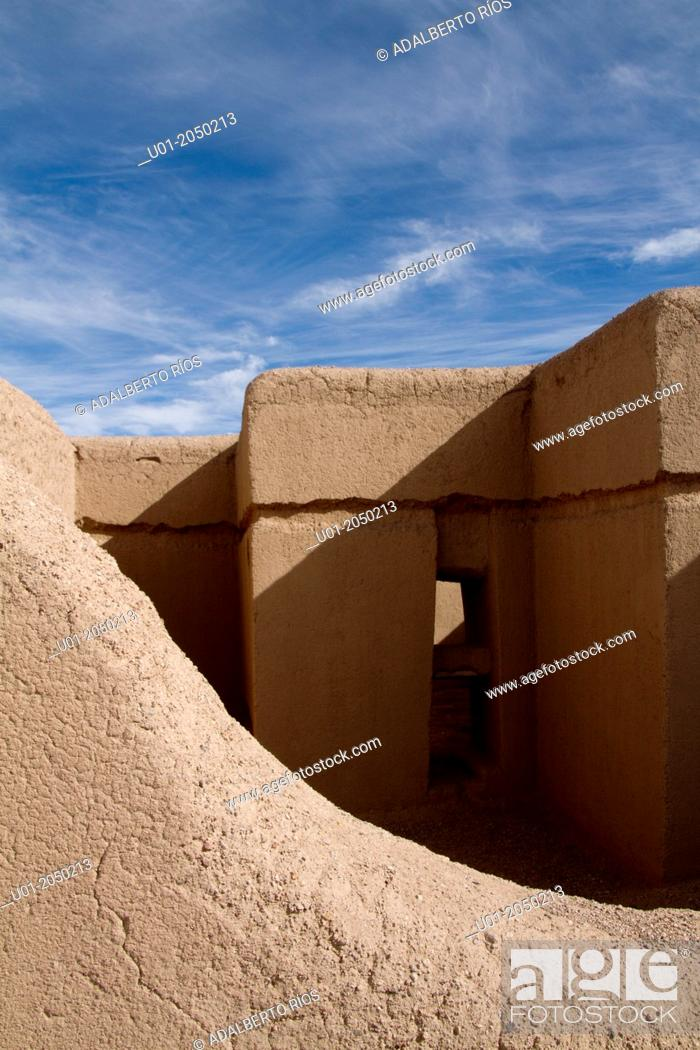Stock Photo: Casas Grandes also known as Paquimé pre-Columbian archaeological zone. Chihuahua, Mexico.