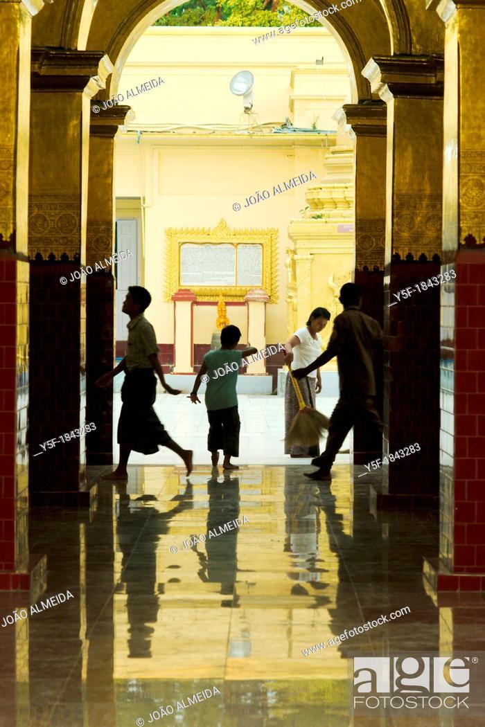 Stock Photo: Women brooming Mahamuni.