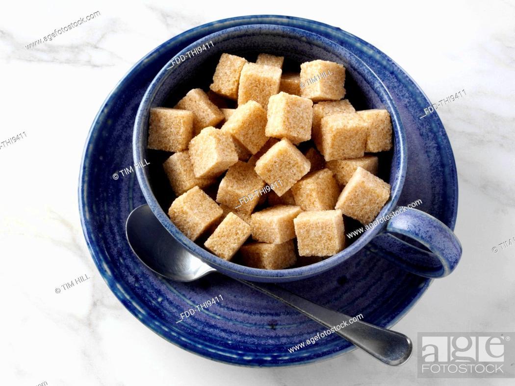 Imagen: Brown sugar lumps.