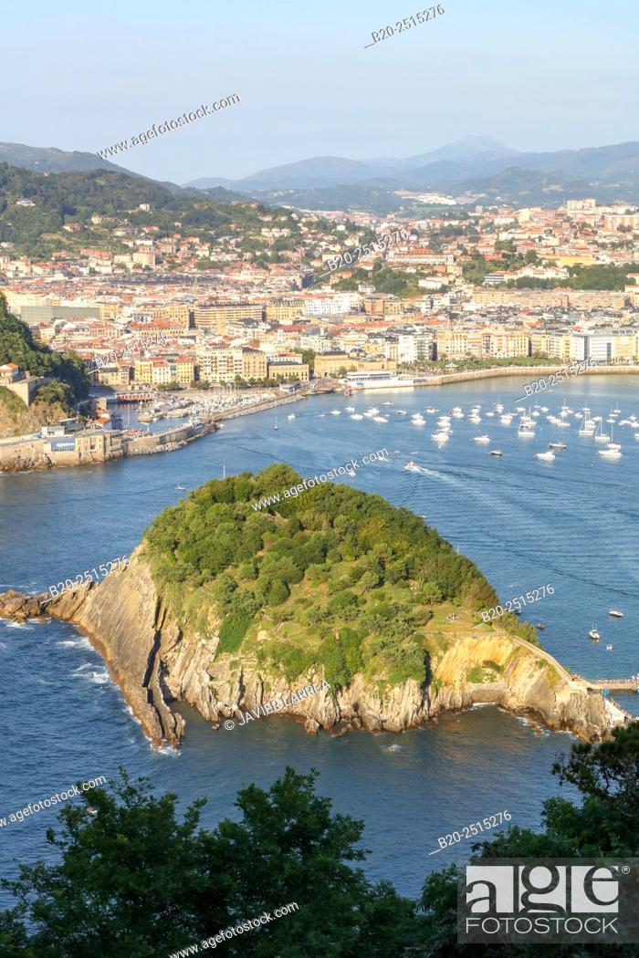 Stock Photo: La Concha Bay. Santa Clara Island. Donostia. San Sebastian. Gipuzkoa. Basque Country. Spain.