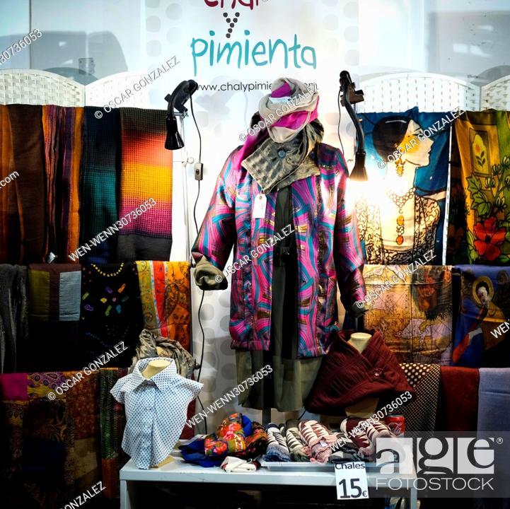 Items for sale at Motors Market (Mercado De Motores), a