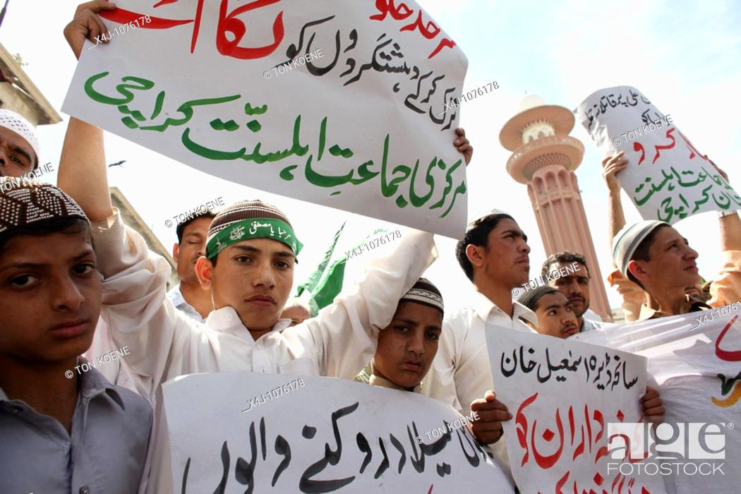 Stock Photo: Suni Muslims demonstrating in Karachi against shi-ites, U S  and Taliban attacks.