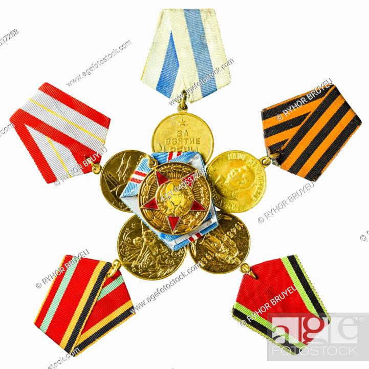 Imagen: Collection of Russian (Soviet) Medals For Participation In The Second World War Isolated White Background.