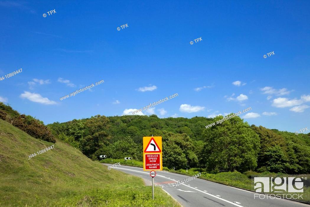 Stock Photo: Wales, Glamorgan, Bilingual Road Sign.