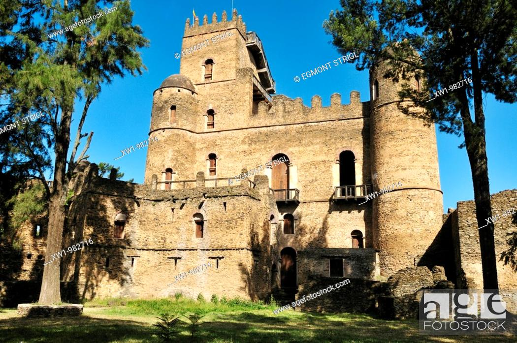 Imagen: historic Fasiladas Palace, Royal Enclosure Fasil Ghebbi, UNESCO World Heritage Site, Gonder, Gondar, Amhara, Ethiopia, Africa.