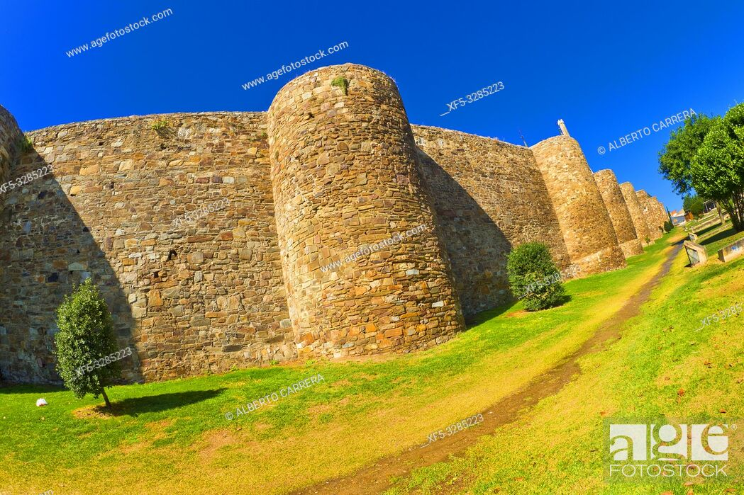 Imagen: 3-4th Century Roman Walls of Astorga, Astorga, León, Castilla y León, Spain, Europe.