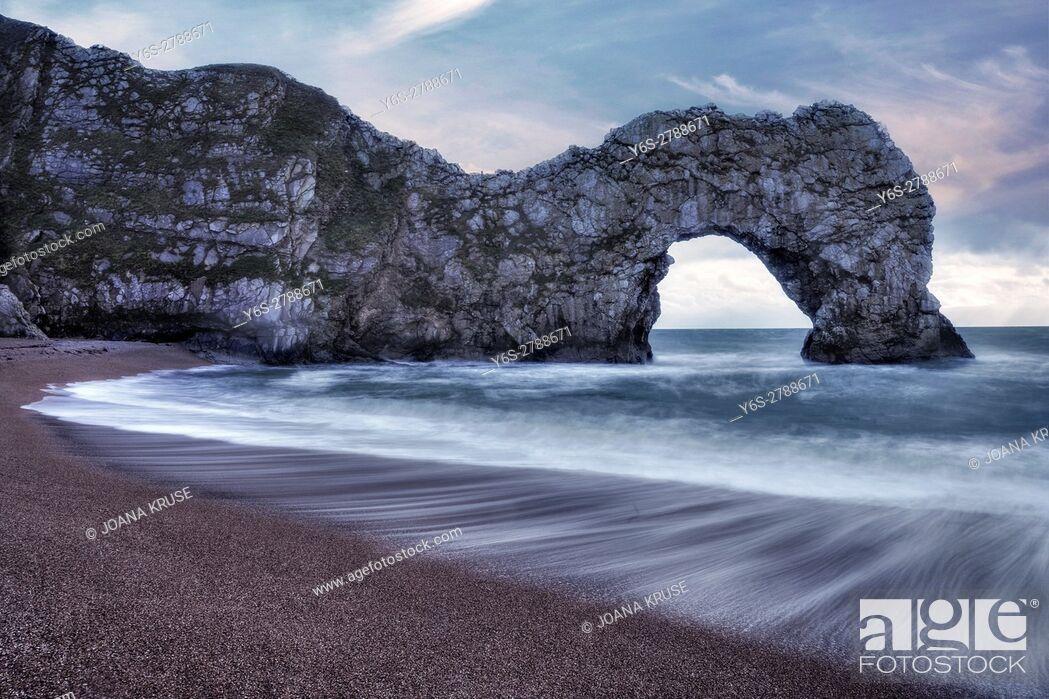 Stock Photo: Durdle Door, Lulworth, Jurassic Coast, Dorset, England, UK.