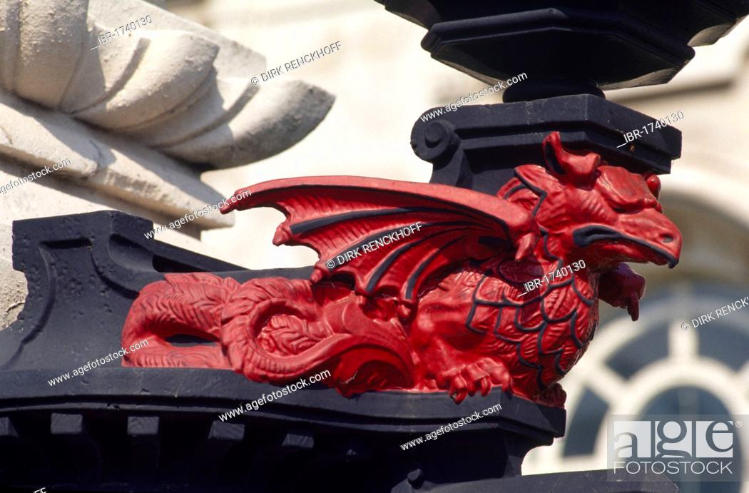 Stock Photo: Dragon statue in front of the court house in Cardiff, Wales, United Kingdom, Europe.